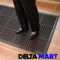 DRAINAGE HOLES RUBBER MATS