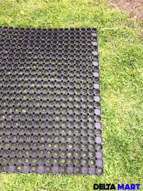 Interlocking Grass Mat