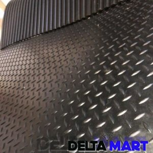 Checker design rubber stable mat